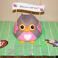 Whooooo will win ?! (Owl Superbowl Cake)