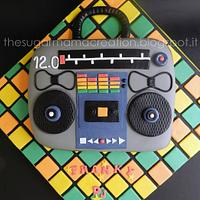 '80 Radio Cake