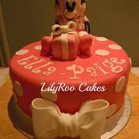 Minnie first birthday cake