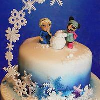 Elsa & Minnie build a snowman x