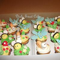 cute bugs cupcakes by DialaSweetCakes