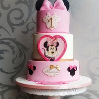 Minnie Mouse cake🎀