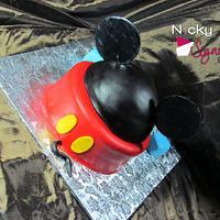 Mickey Mouse by NickySignatureCakes