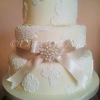 Pearl & Lace Wedding Cake