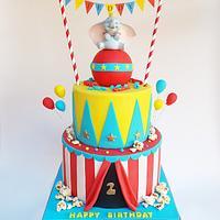 Dumbo circus cake