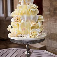 White Chocolate Wrap Cake