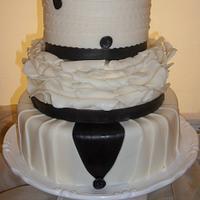 A BLAC K & WHITE WEDDING CAKE