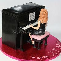 Lady at Piano by Stef and Carla (Simple Wish Cakes)