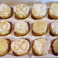 Golden 50th anniversary cupcakes