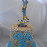 minion rainbowsprinkle cake