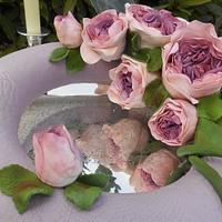 Una ghirlanda di rose inglesi