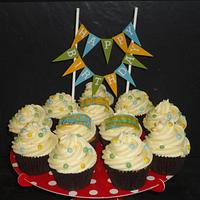 birthday cupcakes with polka dots and bunting