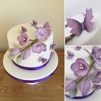 Lilac freesia and butterfly cake