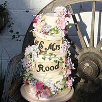 Rose and Peonie sugar flower wedding cake
