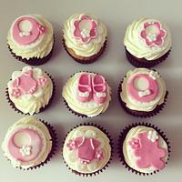 Girls christening/baby shower cupcakes
