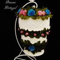 MINI HANGING WEDDING CAKE