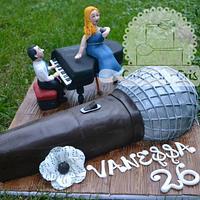 Singer cake