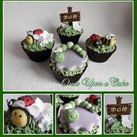 Bees and bugs cupcakes