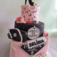 Black and pink cake❤