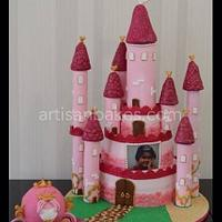 Castle cake with Princess Carriage