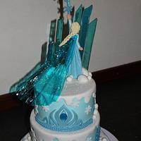 Frozen cake: with transparant cape of Elsa