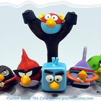 "Grrr! Angry Birds Space ""Fly Me To The Moon"" Cake!"