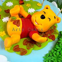 Pooh figurine by Arty Cakes