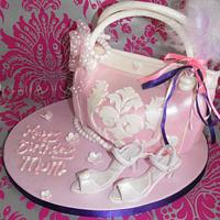 Handbag and shoes cake