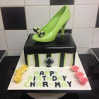 Shoe box cake with chocolate shoe