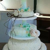 Vintage wedding cake by LA MANOBUENA