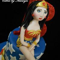 Wonder Woman by Raewyn Read Cake Design