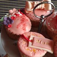 Mother's Day Cupcakes by CupNcakesbyivy