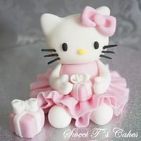 Sweet Tś Cakes by Tina Andorfer
