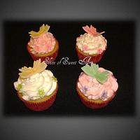 Cupcakes Butterflies & Swirls