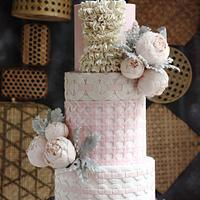 HAUTE COUTURE INSPIRED HAND WEAVING CAKE