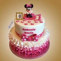 1st birthday cake with Minnie Mouse