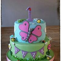 a cute cake for a little girl