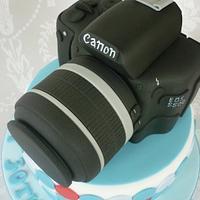 Canon Camera Birthday Cake by Isabelle Bambridge