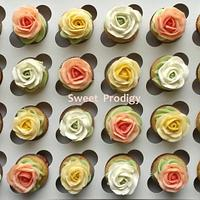 Mini Cupcakes with buttercream roses
