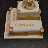 Golden Wedding by Niknoknoos Cakery