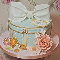 Vintage hat box cake