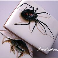 Icing cookies: spiders