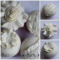 Vintage ivory cupcakes