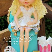Cake decorated with Blythe doll