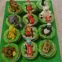 zoo train themed cupcakes