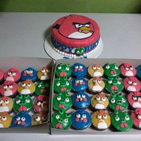 Angry Bird Cake and Cupcakes^_^