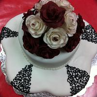 roses and corneli lace cake