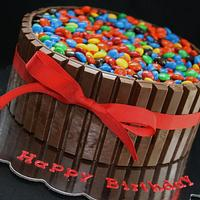 Kit Kat Cake by CakeCreationsCecilia