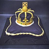 Royal crown and pillow cake