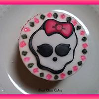 Monster High Cupcake by First Class Cakes
